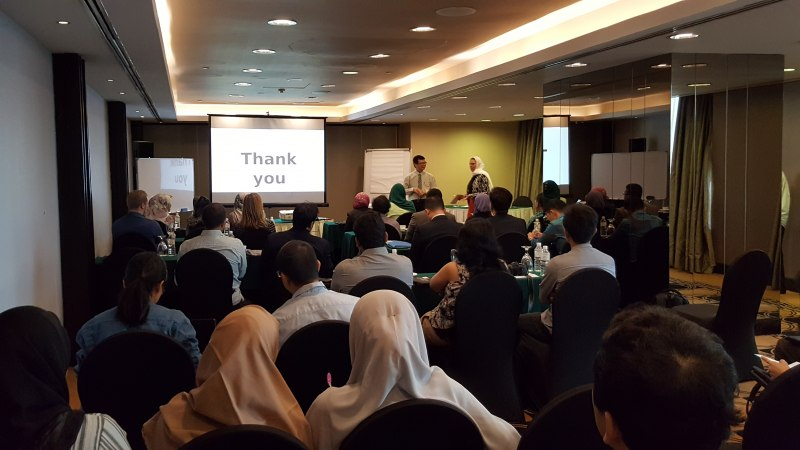 Photos of Critical Issues in Emerging Educational Technologies in Kuala Lumpur #48