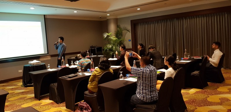Photos of Advanced Commutative and Combinatorial Algebras in Singapore #4