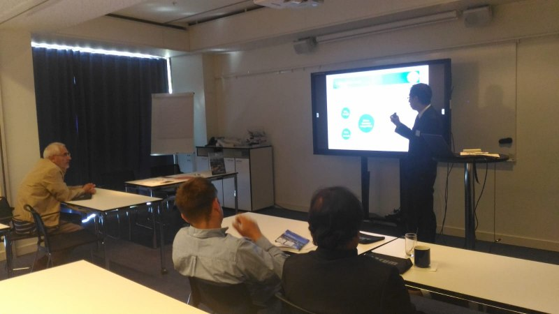 Photos of Applications of Electromagnetic Waves and Electromagnetic Modeling of Devices and Circuits in Stockholm #15