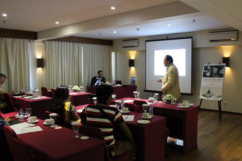 Photos of Advances in Geodesy and Geomatics Engineering in Bali #26